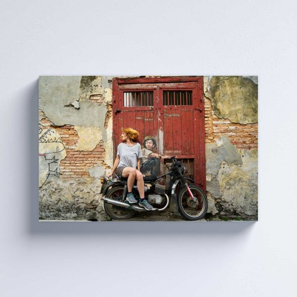 Foto drobė Mergina ant motociklo