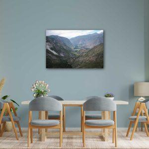 Foto drobė Upė tarp kalnų